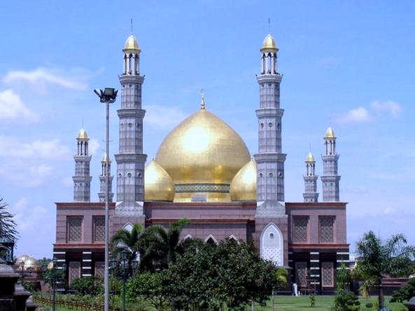 Masjid Dian Alhmahri Indonesia